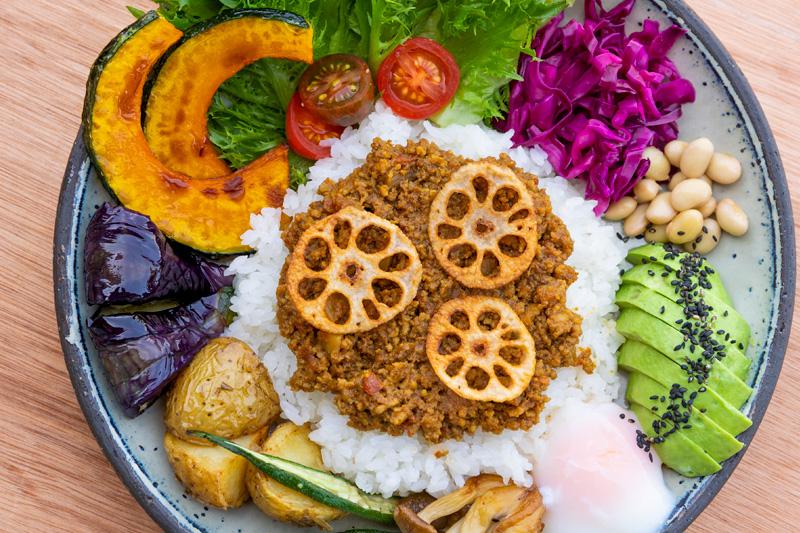 ゴロゴロ野菜のキーマカレー